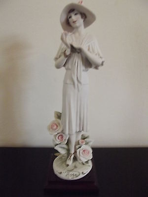 GIUSEPPE ARMANI FLORENCE FIGURINE ROSE 0351F IN PERFECT CONDITION.