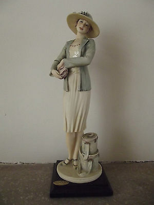 GIUSEPPE ARMANI FLORENCE FIGURINE MABEL 0691C IN EXCELLENT CONDITION.