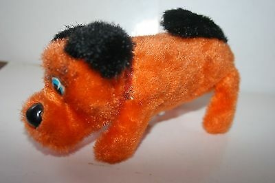 VINTAGE 1950'S or 1960'S WIND UP FURRY DOG