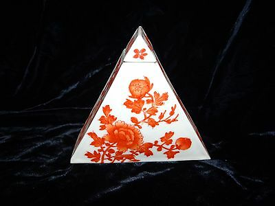 """antique Chinese porcelain covered jar rare triangular form 4.75"""" Qing hand ptd"""