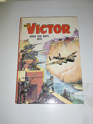 THE VICTOR BOOK for BOYS - Annual - Year 1970 - UK Annual ( Price Tab Removed)