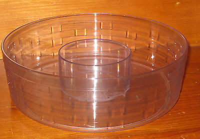 2004 Longaberger Round Serving Basket Plastic Chip and Dip Divided Protector Nib