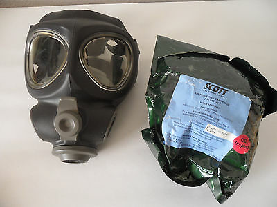 Scott M95 Full Face Respirator NBC Gas Mask Swat Military Police Regular/Adult