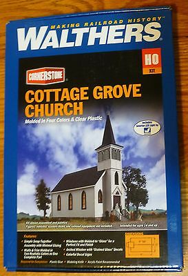 Walthers HO #933-3655 Cottage Grove Church (Building Kit) Plastic
