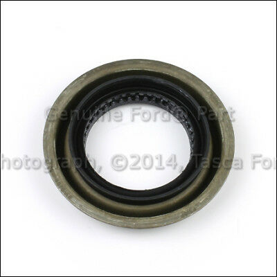BRAND NEW FORD REAR AXLE OIL SEAL #BR3Z-4676-A