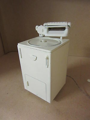 Dolls House Accessories 12th Washing Machine 1940s-50s   DH234RM