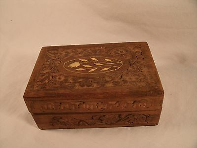 Vintage Hand Carved Floral Pattern Wooden Jewelry Trinket Box Red Fabric Lined
