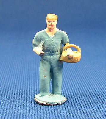 1950s RAILROAD  WORKER / FARMER PEOPLE METAL FIGURE O / S SCALE TRAIN LAYOUT