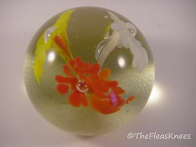 "2"" Art Glass Paperweight Trumpet Flowers Vintage - Mint"