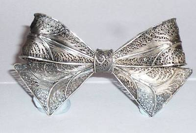 VINTAGE STUNNING SILVER FILIGREE BOW TIE PIN BROOCH JEWELLERY FOREIGN 835 ?