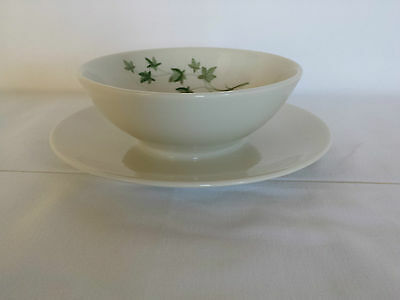 Shenango Restaurant PETER TERRIS DESIGN Gravy Boat with Attached Under Plate