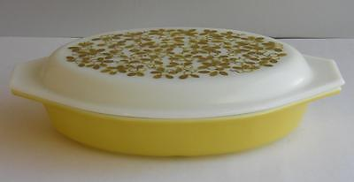Pyrex Verde  1 1/2 Quart Divided Casserole Milk Glass Dish with Mistletoe Lid