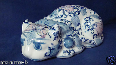 CAT LAYING PORCELAIN BLUE WHITE PINK ASIAN ORIENTAL LOOK HAND PAINTED FLOWERS