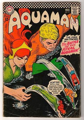 DC Comics AQUAMAN Vol 1 No 27 The Odds Are Stacked In The Battle SILVER AGE