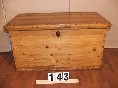 Softwood large rustic chest Hungary Empire around 1880 Top of Luxury Park