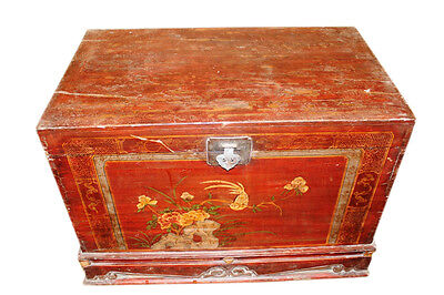China 1900 colonial wedding chest with socket filigree antique painting