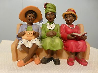 UTI 3 AFRICAN AMERICAN LADIES IN SUNDAY HATS SITTING IN CHURCH PEW RESIN
