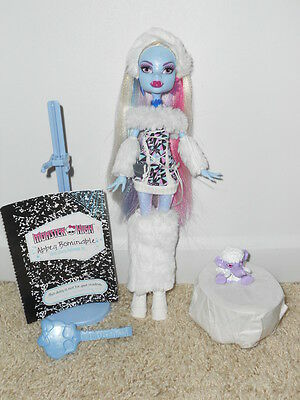 MONSTER HIGH Abbey Bominable Wave 1  EUC
