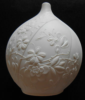 Kaiser Germany 0264  M Frey signed white porcelain spherical vase pot vgc