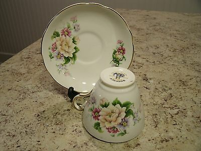 Very Pretty Regency English Bone China Floral Pattern Tea Cup and Saucer England