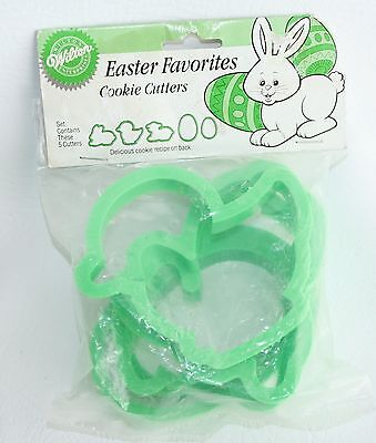 1990 Lot Wilton Plastic Easter Cookie Cutters Lamb Duck Bunny lg egg small egg