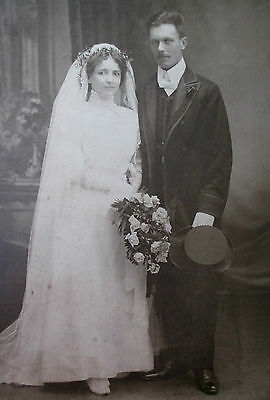 CABINET CARD TYPE PHOTO VICTORIAN 1890s WEDDING BRIDAL WOMAN LOVELY BRIDE GROOM