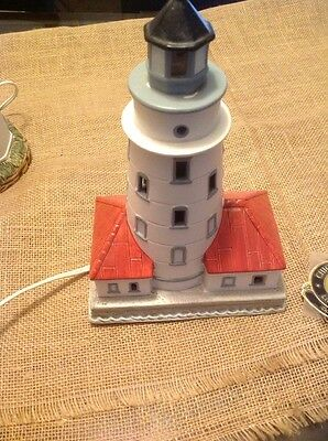 "1993 GEO LEFTON HARBOR LIGHT 1893 LIGHTHOUSE NIGHT LIGHT 9 1/2 "" X 6 1/2"""
