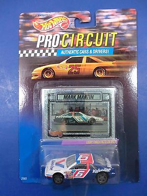 Mark Martin  #6 1992 Ford 1:64 Hot Wheels Pro Circuit Car and Collectors Card