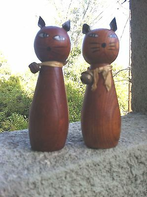 Vintage Siamese Cat Wooden Salt And Pepper Shakers Mid Century