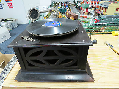 Antique Victrola Hand Crank Table Top Model Phonograph , Still Turns , Good Cond