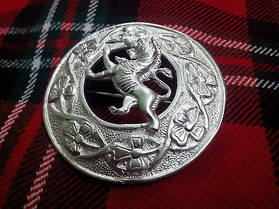 TC Mens Scottish Kilt Fly Plaid Brooch Lion Rampant Silver Plated/Plaid Brooches