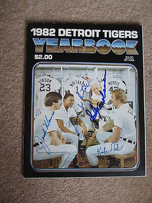 1982 Detroit Tigers Autographed Yearbook 25 Autos Sparky Jim Campbell ,