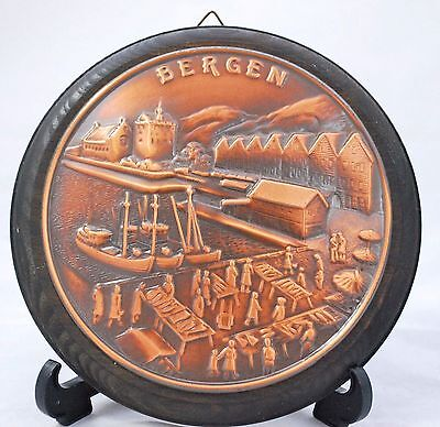 OLD WOOD Wall Hanging TIN BERGEN NORWAY Souvenir town Scene Fish Market Boats