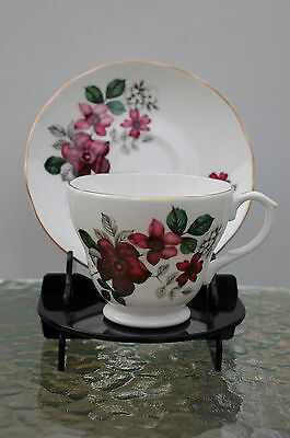 1 x Cup and Saucer Display Stand