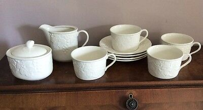 MIKASA Countryside White DP900 Set Of 4 Tea Cups Sugar Bowl With Lid And Creamer