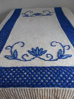 Chenille Bedspread with Blue. Full/Double