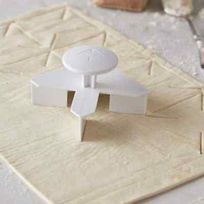 Lakeland Pinwheel Pastry Cutter Perfect for Canapes & Desserts