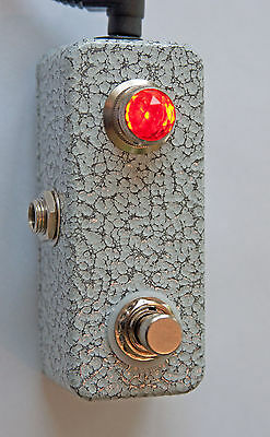 Invisible Sound guitar single mini switcher  with JEWEL Light!  Switch f/x, chan