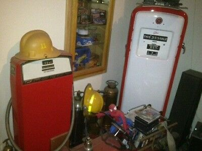 vintage gas pump man cave shop SS RS Z28 corvette Hemi chevy mopar deuce coupe