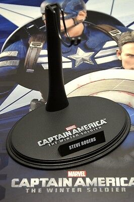 Hot Toys 1/6 MMS243 The Winter Soldier: Captain America Steve Rogers Stand