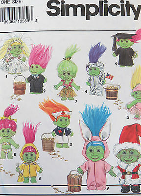 Simplicity 8207 new/uncut clothing & costume clothes for troll dolls from 1992