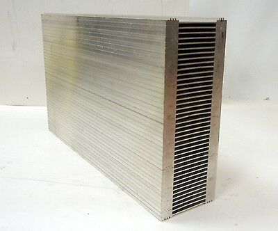 "UNUSED LARGE ALUMINUM EXTRUSION HEATSINK 16&3/4""L x 10&3/4""W x 3&11/16""D"