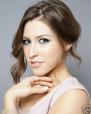 Eden Sher / The Middle 8 x 10 GLOSSY Photo Picture