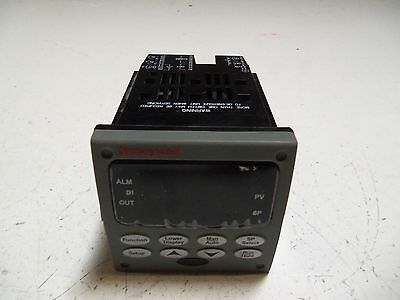 Honeywell Dc3200-Ee-000R-200-0000-E0-0 Controller *used*