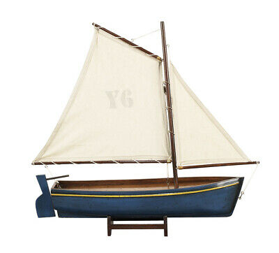 "Segelboot Modell ""Madeira"", blau, Antik Finish von Authentic Models"