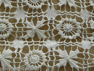 """Gorgeous Vitg Drawn Work  27 1/2"""" Sq White Table Topper/Small Tablecloth AS IS"""