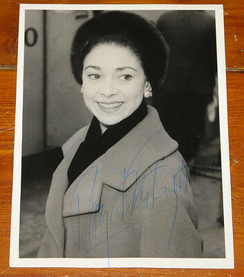 Margot Fonteyn Authentic Beautiful Hand Signed Press Photo Ballet Autograph 15