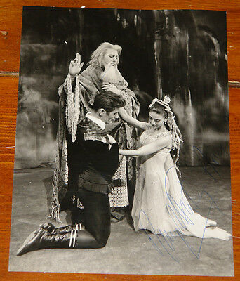 Margot Fonteyn Authentic Beautiful Hand Signed Press Photo Ballet Autograph 39