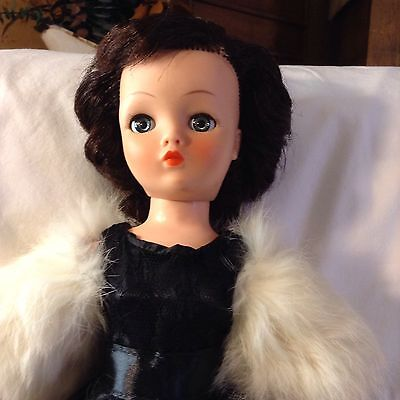 "Vintage 19"" Horsman Cindy Fashion Doll - Brunette"