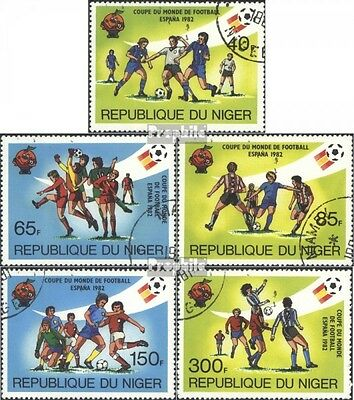 Niger 814-818 (complete issue) used 1982 Winners the Football-W